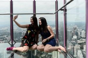 Kuala Lumpur, Malaysia: Visitors to the KL Tower