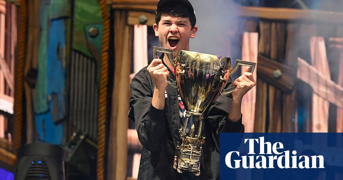 They came in with guns: Fortnite world champion Bugha swatted during livestream