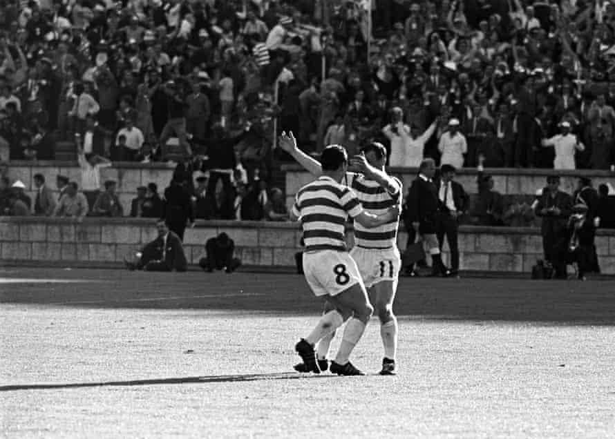 Willie Wallace and Bobby Lennox celebrate their success in Lisbon.