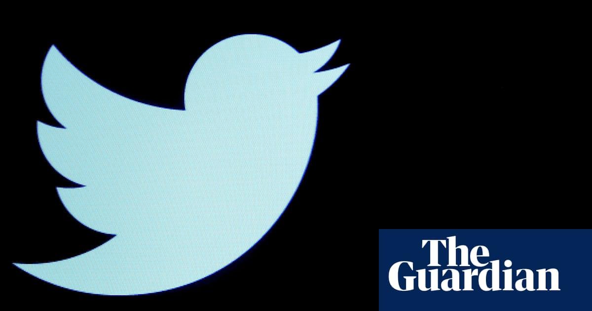 Student proves Twitter algorithm 'bias' toward lighter, slimmer, younger faces
