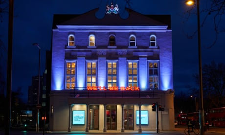 Old Vic theatre is in 'seriously perilous' position, warns Matthew Warchus