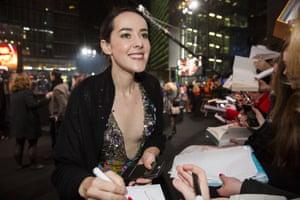 Jena Malone signs autographs