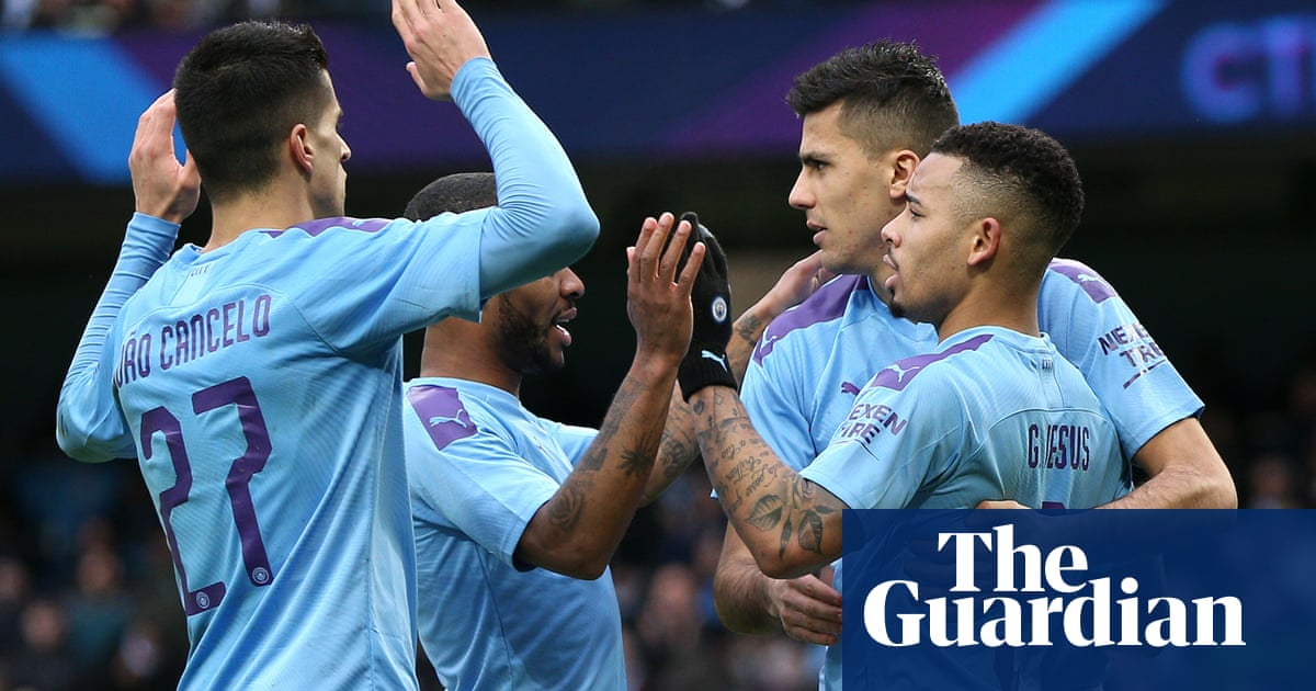 Gabriel Jesus double eases Manchester City past Fulham after Ream's early red