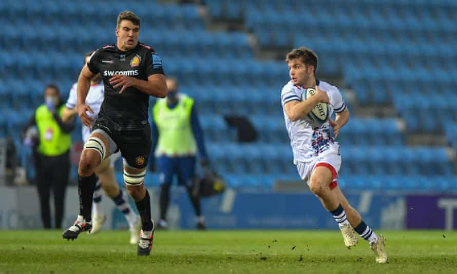 Harry Randall of Bristol runs with the ball against Exeter