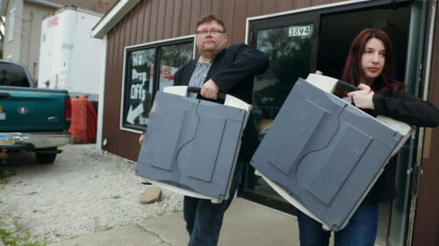 Harri Hursti and Maggie MacAlpine carry voting machines they purchased in Kill Chain