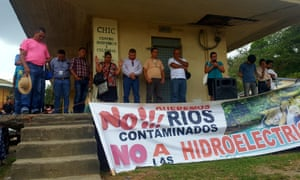 The Jilamito Five praying before facing charges of land invasion, Honduras