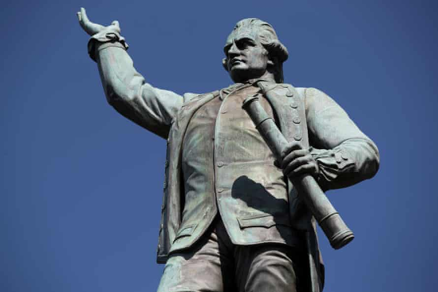 Captain James Cook statue in Hyde Park Sydney.