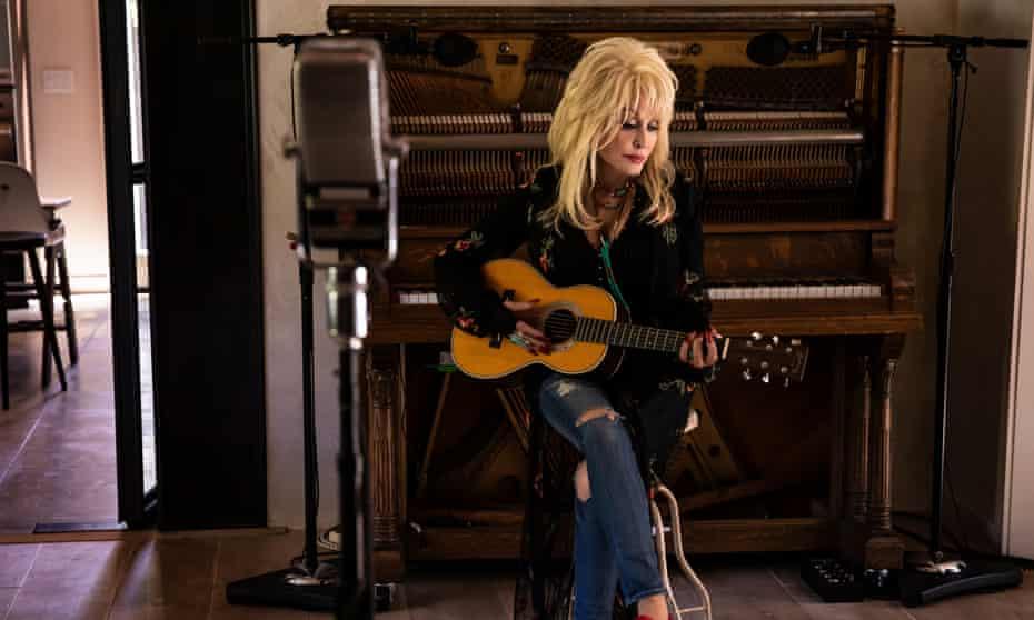 Dolly Parton … 'I'm gonna dress the way I dress,'