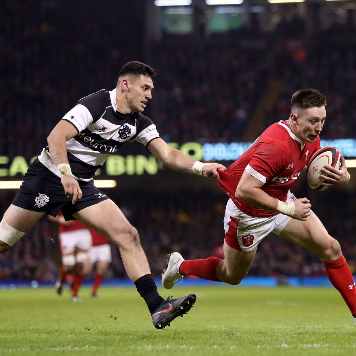 Wales hold on to beat Barbarians in Warren Gatland's goodbye ...