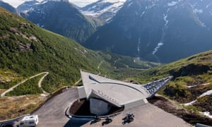 Rest stop area above the Utsikten valley, on the Gaularfjellet route, Norway.