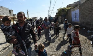 Mosul civilians flee