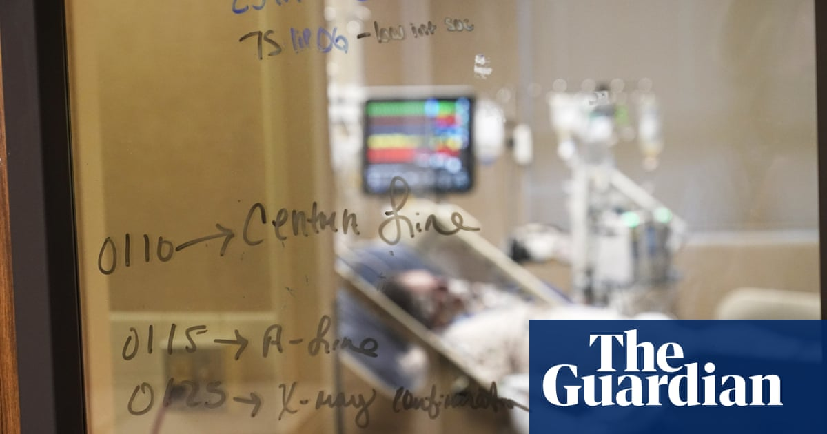 Military doctors shore up exhausted health teams in US south amid Covid surge