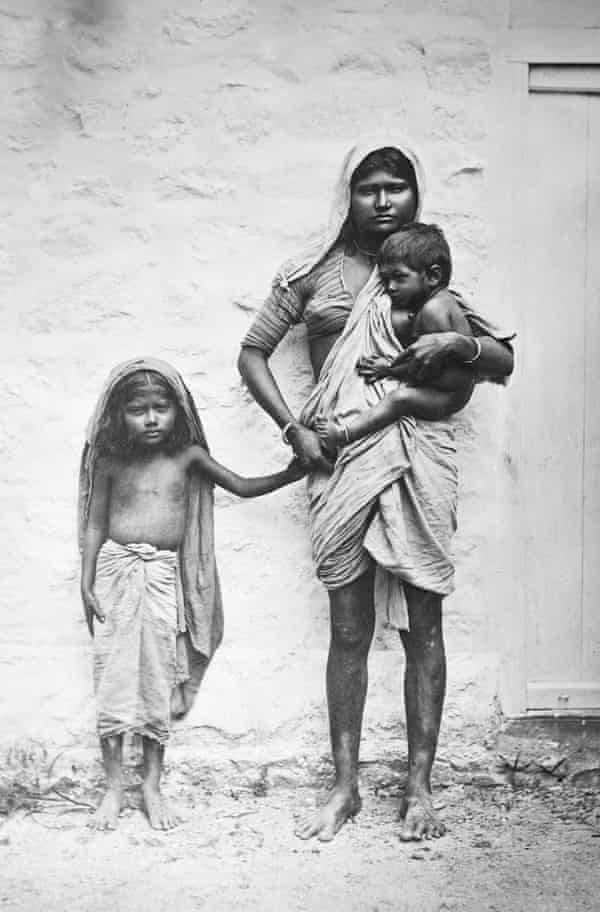 Mother and children ... the British left a society with 16% literacy, a life expectancy of 27 and over 90% living below the poverty line.