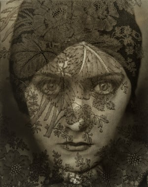 Gloria Swanson Edward Steichen (American (born in Luxembourg), 1879–1973) 1924 Photograph, gelatin silver print *The Howard Greenberg Collection—Museum purchase with funds donated by the Phillip Leonian and Edith Rosenbaum Leonian Charitable Trust *Courtesy, Museum of Fine Arts, Boston