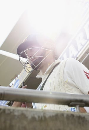 <strong>Day Three</strong><br>Peter Nevill walks out to start the day, partnered by Mitchell Starc. Nevill makes 59 before falling to Finn.