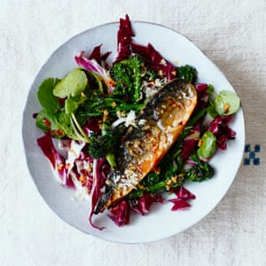 Warm Asian-style smoked mackerel salad with grilled broccoli.