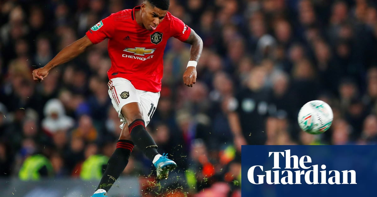 Rashford rocket stuns Chelsea and extends Manchester United's resurgence