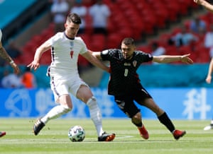 Declan Rice shields the ball from Mateo Kovacic