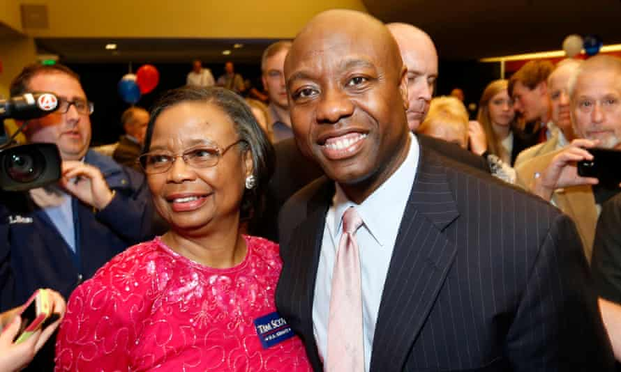 Tim Scott with his mother after winning his Senate race.