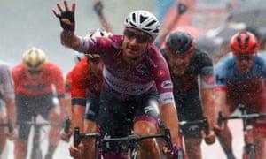 Elia Viviani celebrates his fourth stage win of this year's Giro.