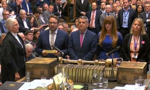 MPs in Commons read out results after Tory backbench amendment linked to medicines regulation was approved by 305 votes to 301.