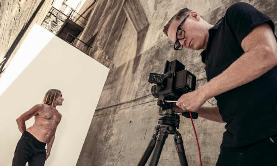 Behind the scenes of the 2022 Pirelli calendar, with Bryan Adams photographing Iggy Pop.