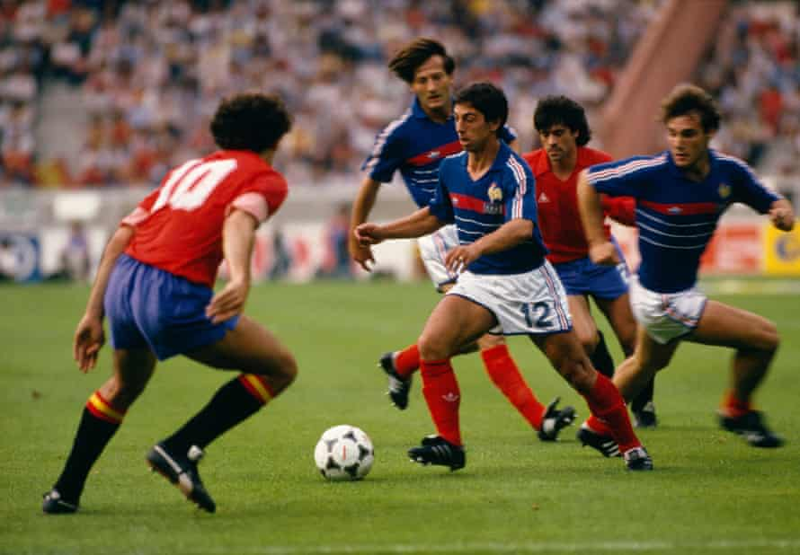 Alain Giresse takes on the Spain defence in the Euro 84 final.