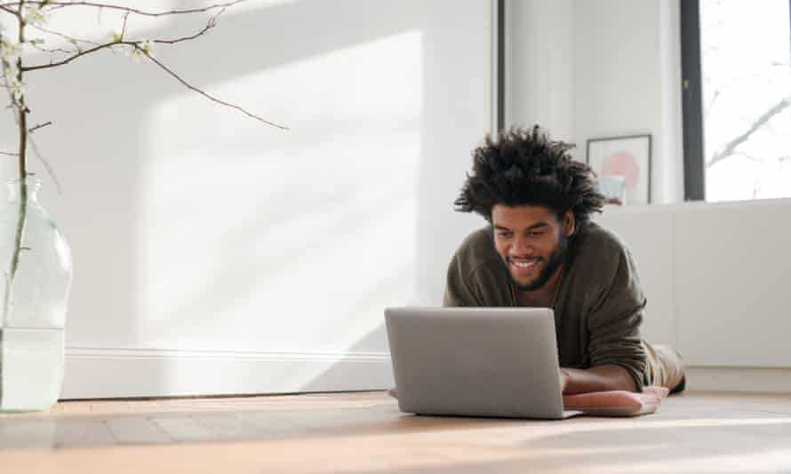 Data shows that 4.7% of recent graduates are self-employed or freelance, with only 0.6% having actually started their own business.