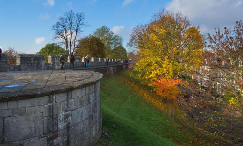 Walking the walls in autumn, York