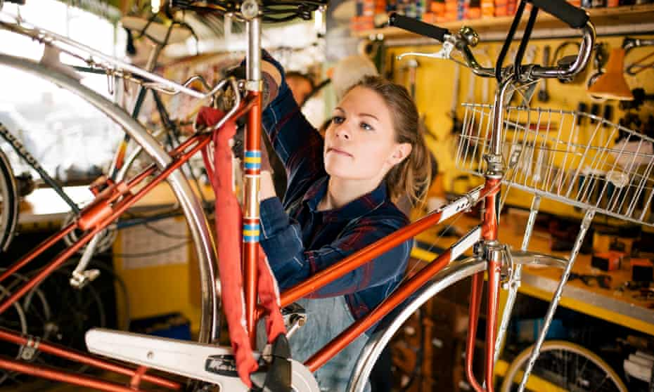 Set up a collective bike workshop ... and learn to fix bikes while engaging with your community.