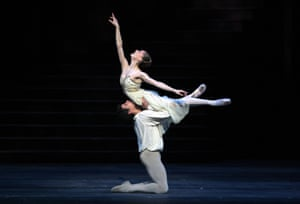 Marianela Nuñez and Thiago Soares in the Royal Ballet's Romeo and Juliet, May 2008.