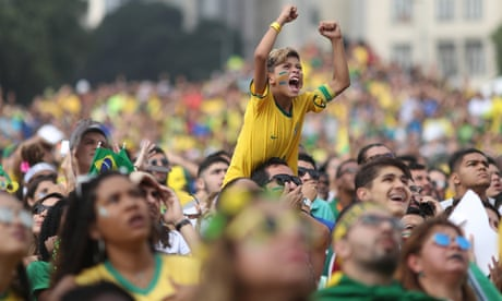 Brazil fans celebrate advancing to World Cup quarter-finals after win over Mexico – video