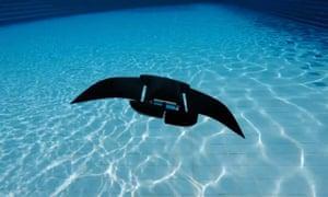 Ray of hope: the aquatic MantaDroid.