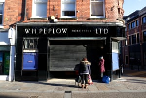 Peplow jewellers closes up for lockdown