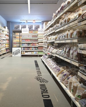 The world's first plastic-free supermarket aisle in Amsterdam.