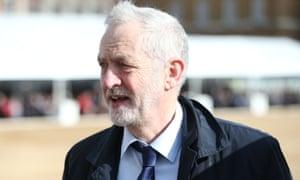 杰里米·科尔宾(Jeremy Corbyn)在回归英国脱欧方面的得分比特蕾莎·梅(Theresa May)差。