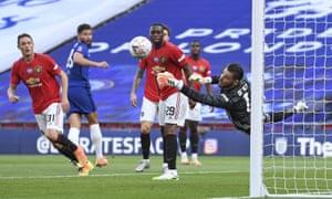 Manchester United's goalkeeper David de Gea makes a save.