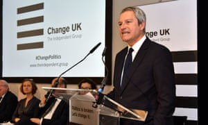 Gavin Esler tells the rally that Britain is 'at a very serious, grave moment of decision'.