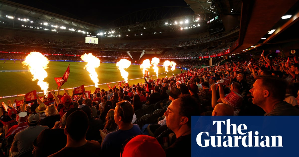 Big Bash League and the importance of putting on a 'damn good show' | Jonathan Howcroft