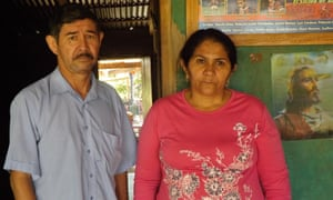 The parents of kidnapped police officer Edelio Morínigo have spent more than 400 days waiting for his return.