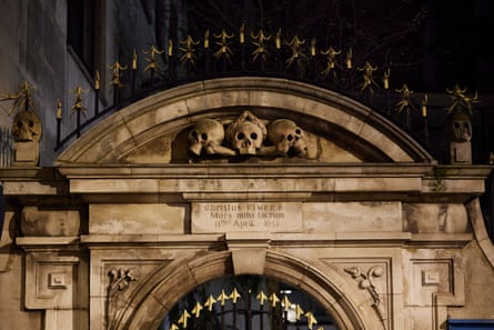 Charles Dickens was thrilled by the skulls over the entrance to the churchyard at St Olave's Church.