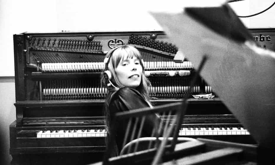 Mitchell in LA, 1967, recording her first album, Song To A Seagull