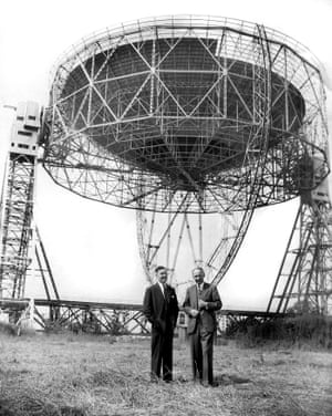 A 1957 photograph of Professor Bernard Lovell (right) with structural engineer Charles Husband.