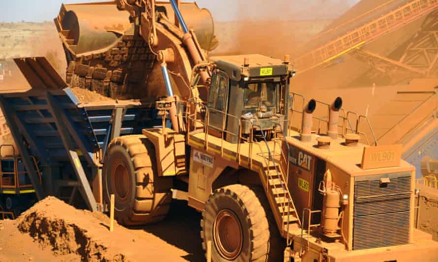 Western Australia's iron ore industry is contracting as it slashes costs in response to a plunging iron ore price.