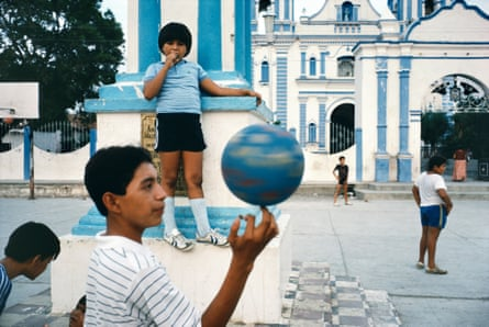 Children in Tehuantepec, Mexico, 1985.