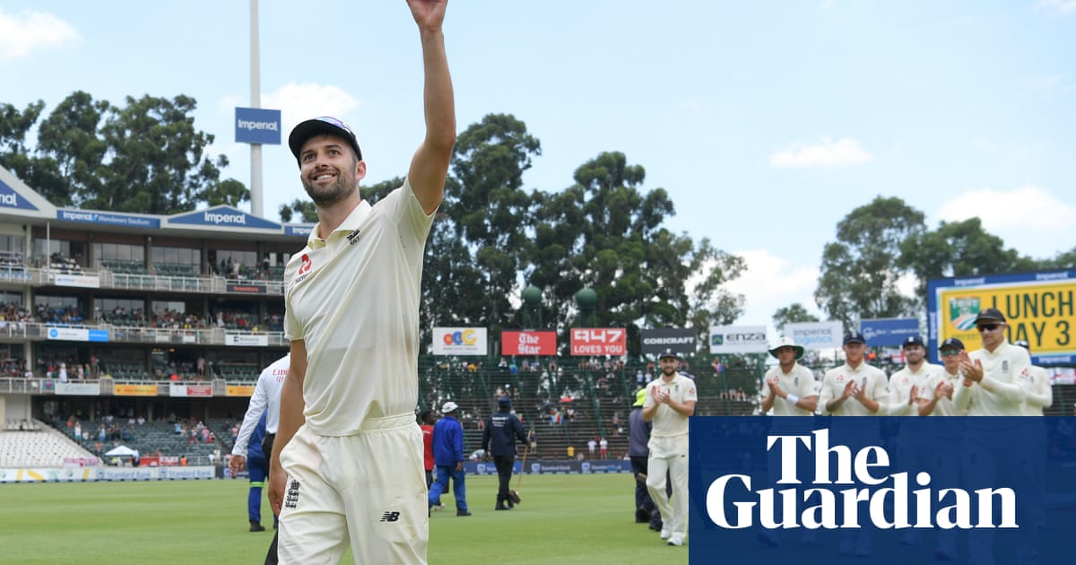 Mark Wood claims five before England set South Africa target of 466 to win