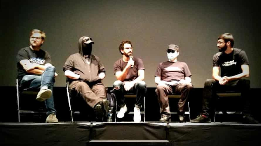 Delegates at the Hackers Congress 2016 discuss bitcoin, blockchain and points between