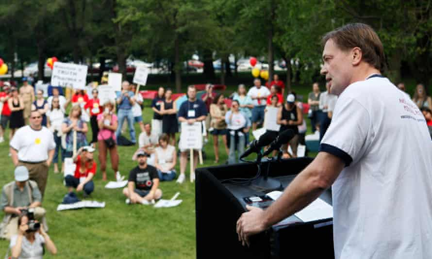 Andrew Wakefield in May 2010, addressing the American Rally For Personal Rights in Chicago.