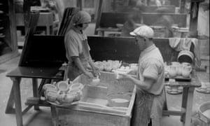 Pot glazers Wedgwood pottery Stoke 1930s