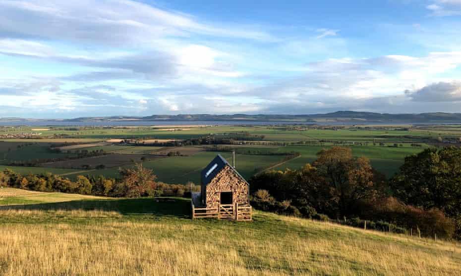Guardswell Farm - a cabin on a hillside in Perthshire, Scotland